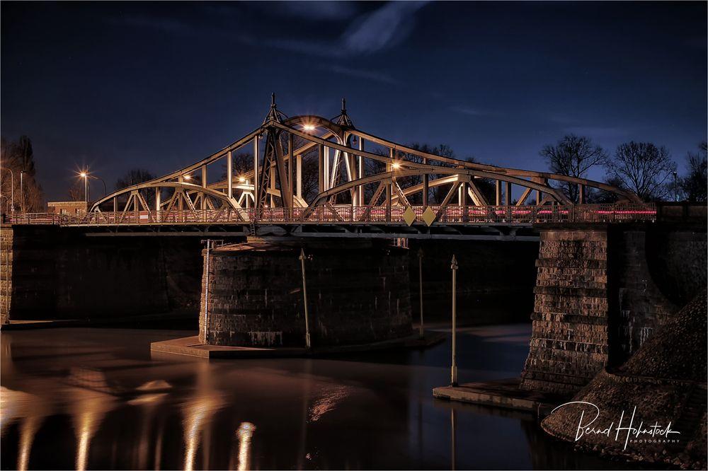Alte Drehbrücke Rheinhafen Krefeld Uerdingen ....