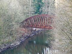 alte Eisenbahnbrücke ...