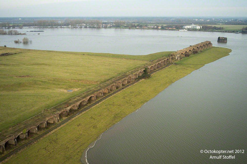 Alte Eisenbahnbrücke von Wesel
