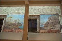alte erhaltene wandmalereien im ägytischen tempelhof