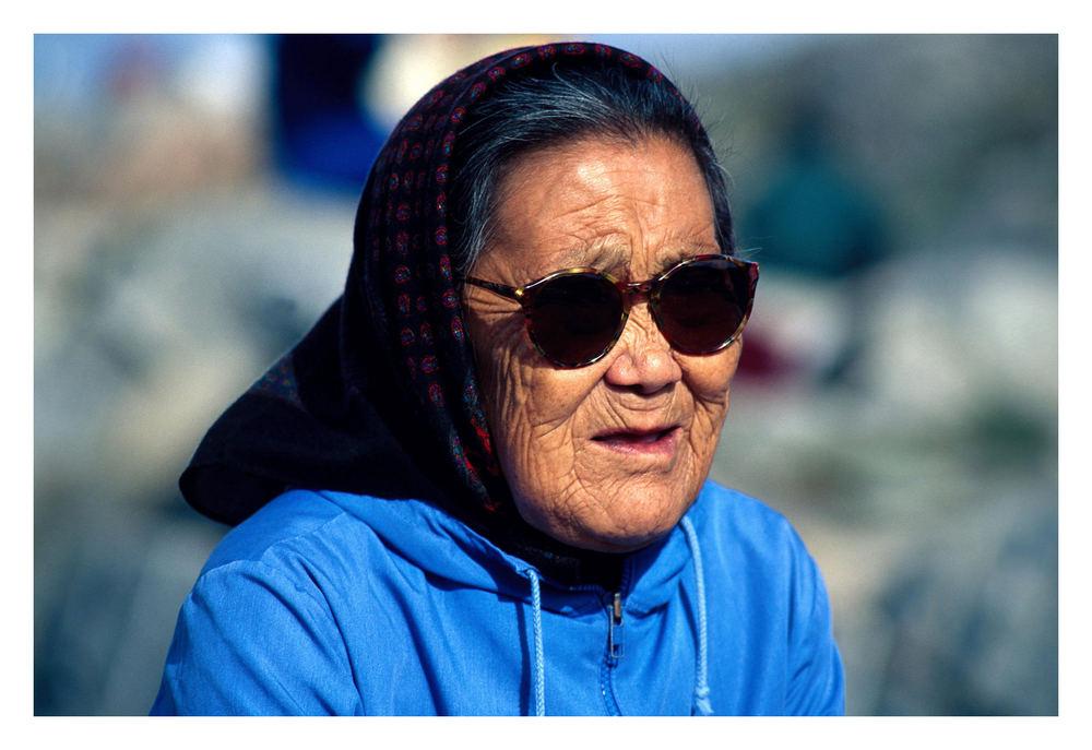 Alte Frau in Ilulissat