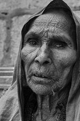 Alte Frau in Jaislamer