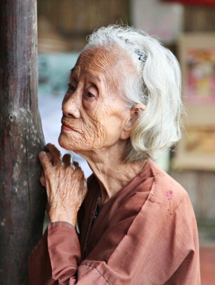 alte Frau in Vietnam Foto & Bild | portrait, portrait