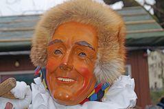 Alte Holzmaske der Narro-Altfischerzunft