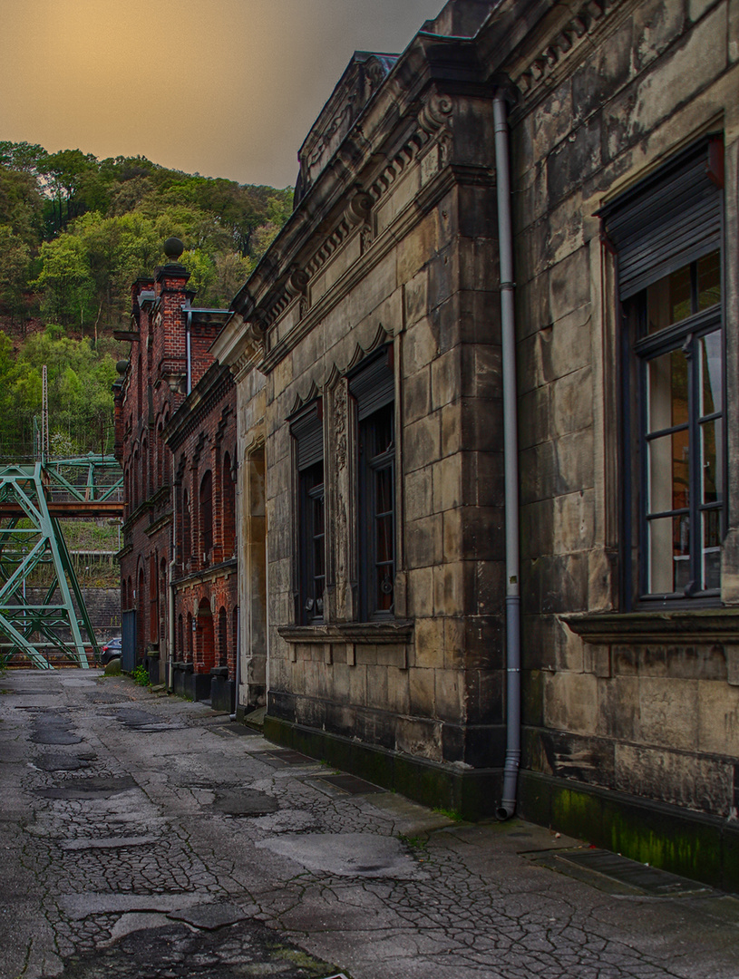 alte Industriegebäude 1