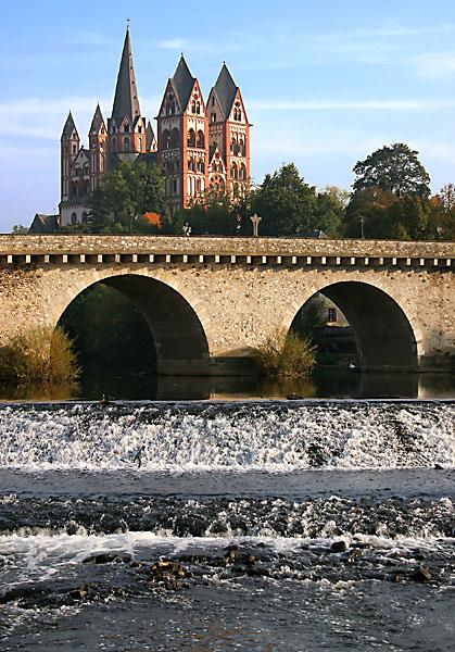 Alte Lahnbrücke mit Limburger Dom