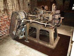 Alte Metallbearbeitungsmaschine