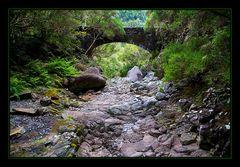 Alte Steinbrücke auf Madeira