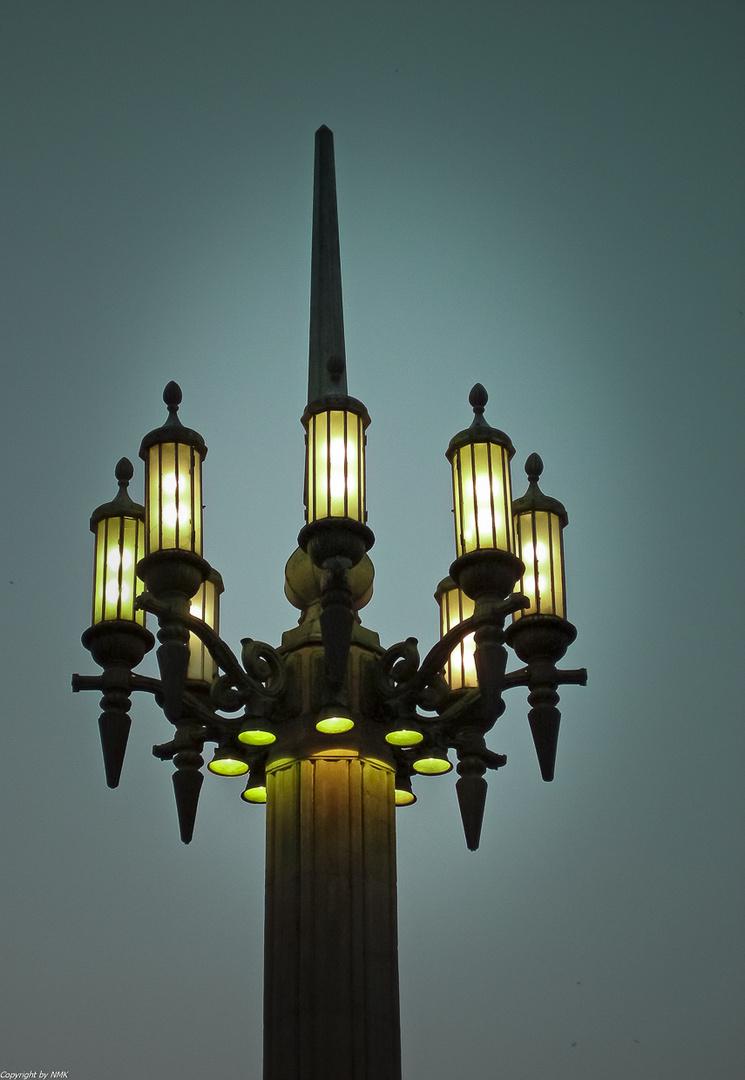 Alte Straßenlampe in Warschau
