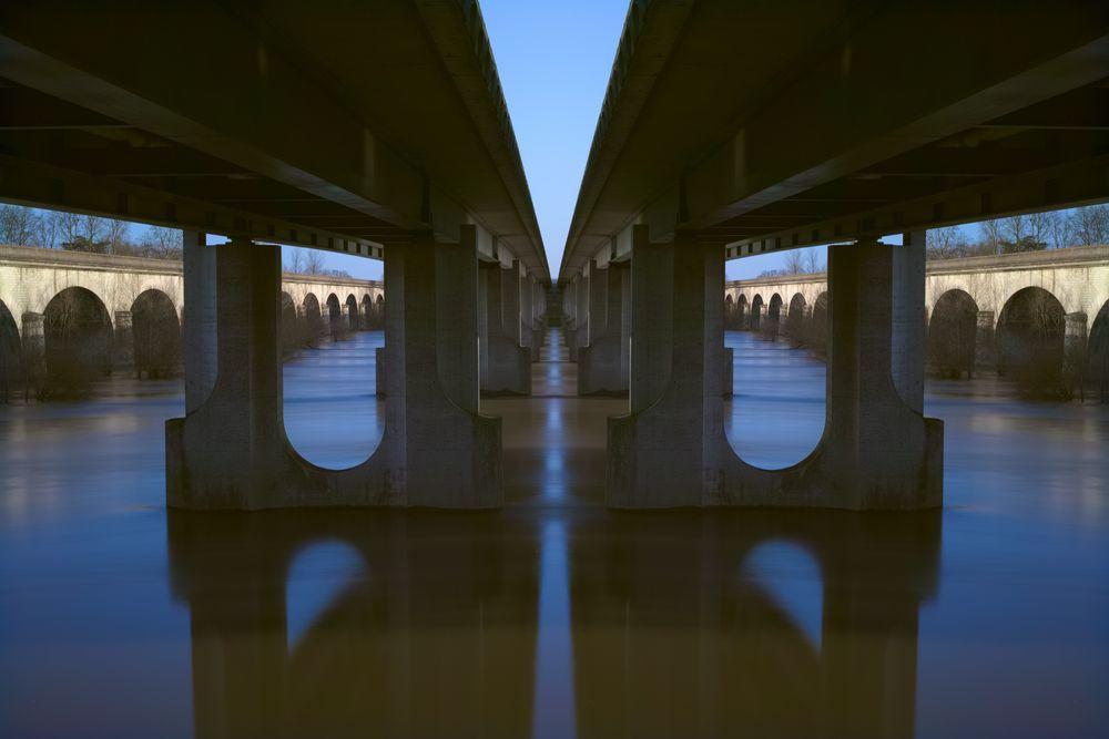 Alte und neue Brücke (mit Axialsymmetrie)