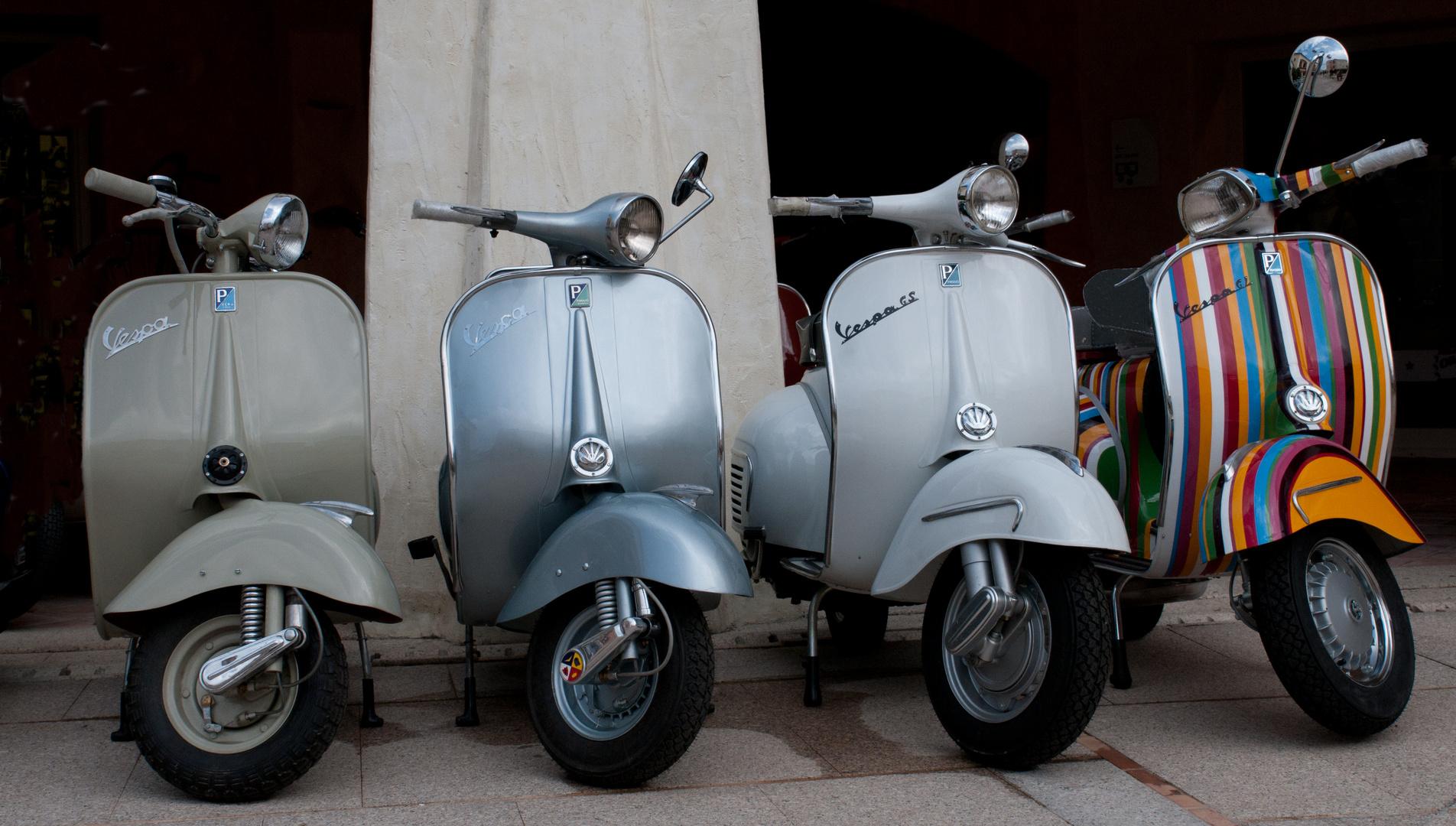alte Vespa Roller auf Sardinien