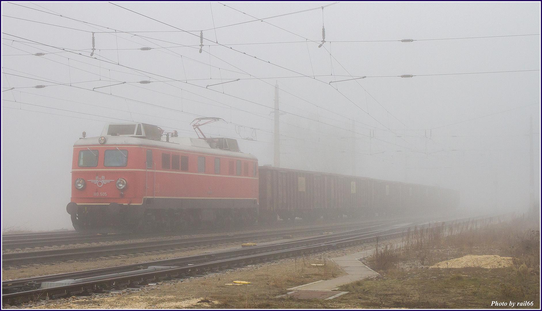 Alteisen im Nebel