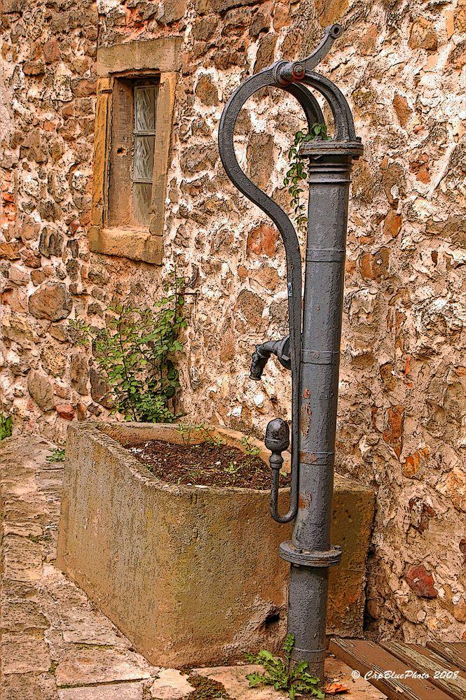 Alter Brunnen am Stadtmauerrundweg
