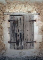 Alter Fensterladen in Aghios Nikitas