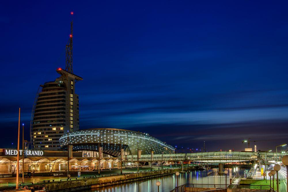 alter Hafen Brhv @ night