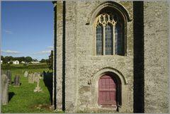 Alter Kircheneingang auf dem Lande 1 ...