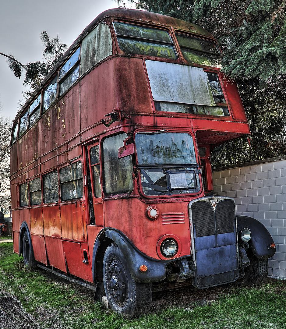 alter london bus foto bild architektur lost places. Black Bedroom Furniture Sets. Home Design Ideas