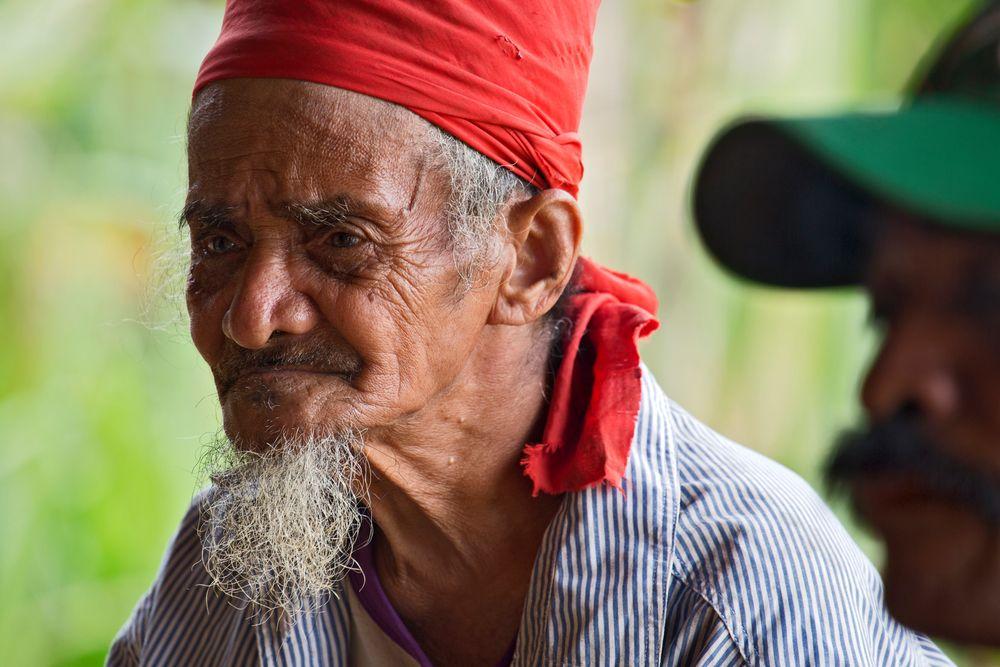 Alter Mann auf Seram/ Molukken