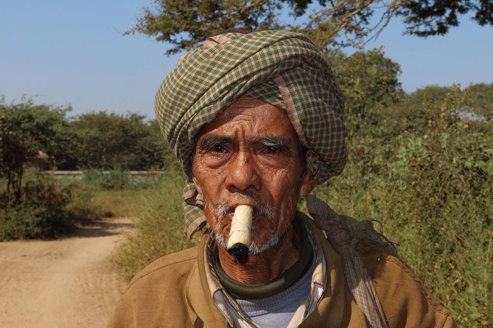 Alter Mann Mit Fußfetisch