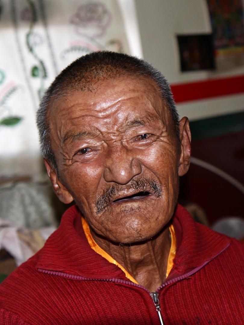 Alter Mönch in Tibet