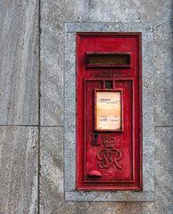 alter Postkasten aus England