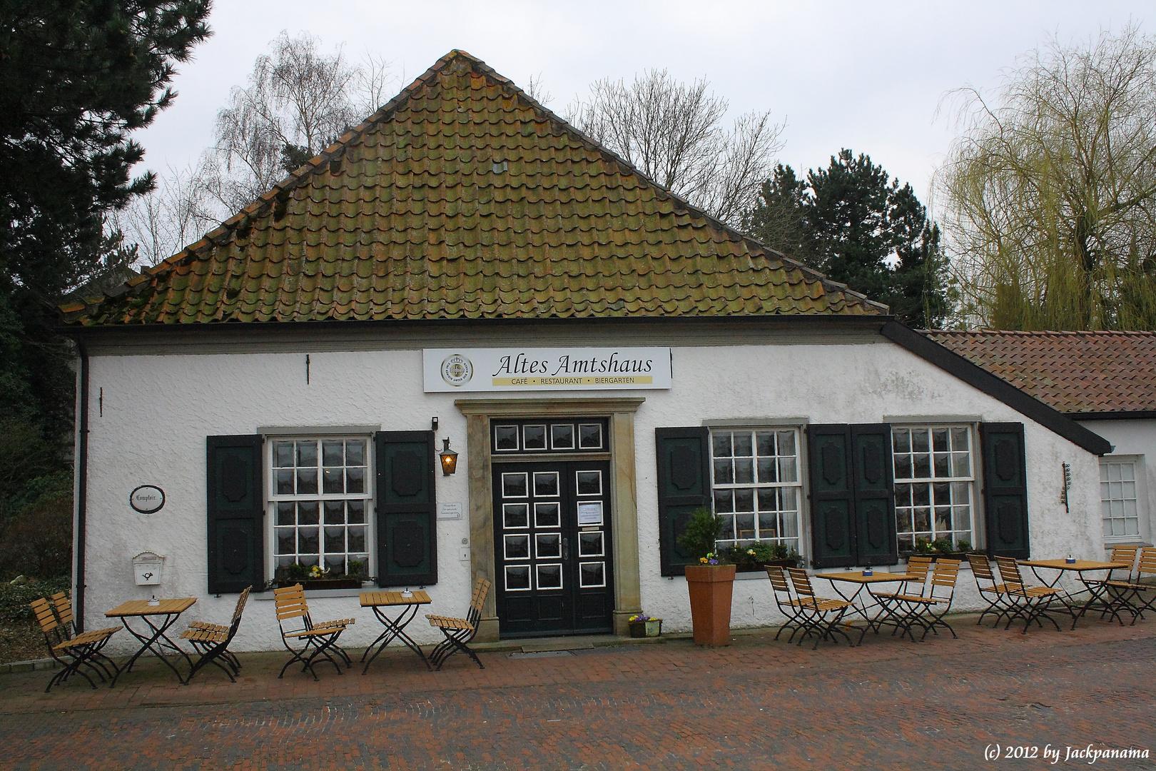 Altes Amtshaus - Café - Museum - Biergarten in Papenburg