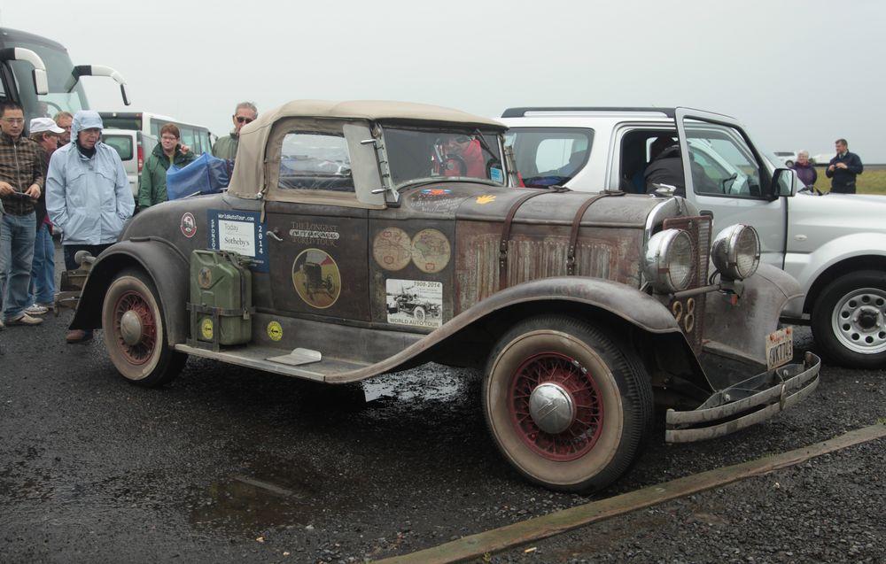 Altes Auto auf Weltreise