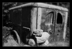 Altes Auto im Allier