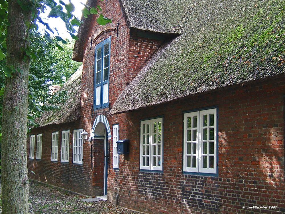 Altes Landhaus mit Backhausstil