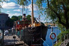 Altes Schiff am Kai Skeppsholmen