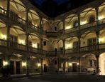 Altes Schloss Stuttgart Nachtimpression begradigt