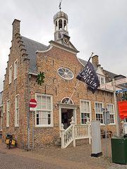 Altes Stadhuis (Rathaus) von 1667 in Domburg (Walcheren, ehem. Insel) an der Osterscheldemündung