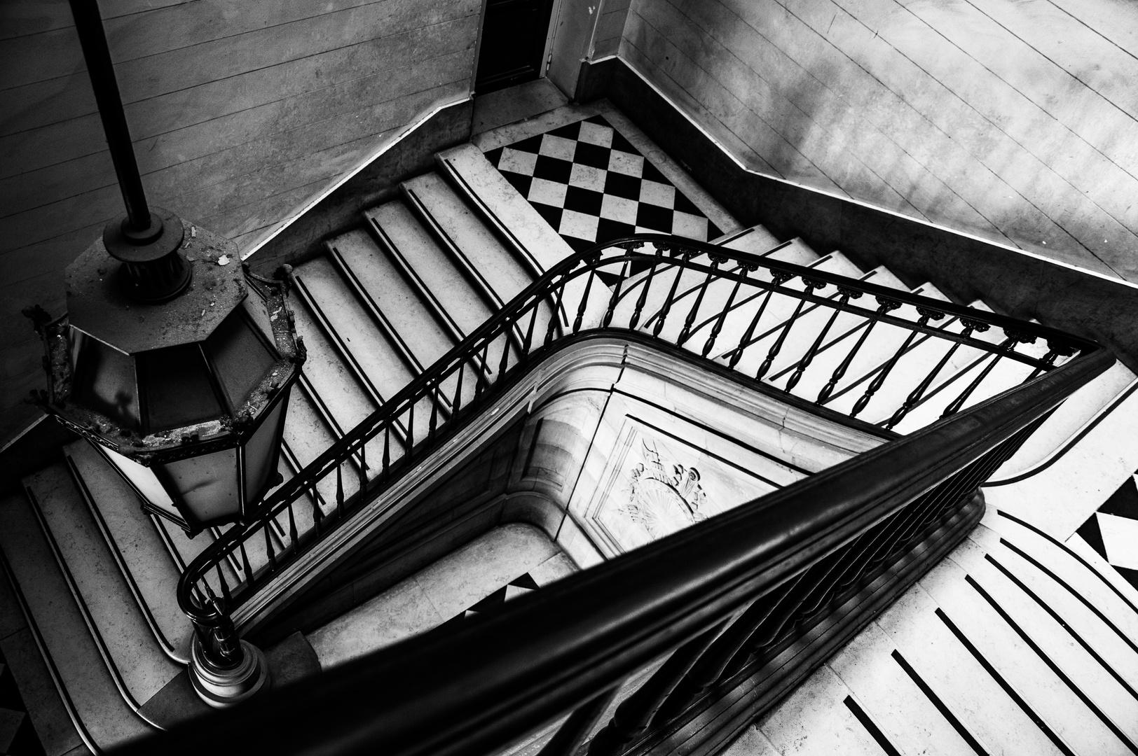 Altes treppenhaus in paris foto bild architektur stadtlandschaft historisches bilder auf - Bilder treppenhaus ...