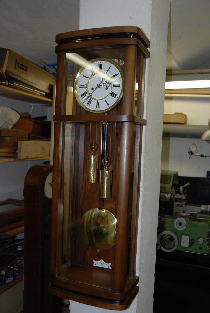 Altes Uhrwerk trifft neues Gehäuse