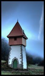 AlteTrafostation im Nebel_2