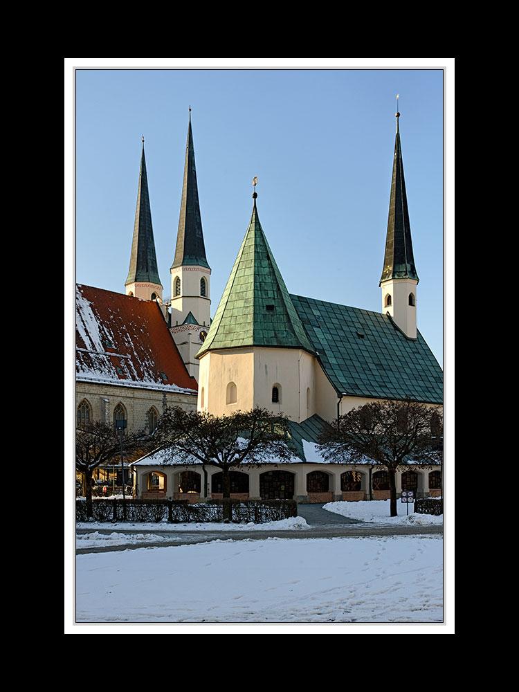Altötting, Kapelle und Stiftskirche