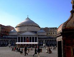 altra vecchia foto...momenti napoletani in piazza del Plebiscito