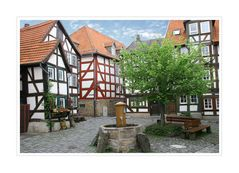 < Altstadt-Idylle >