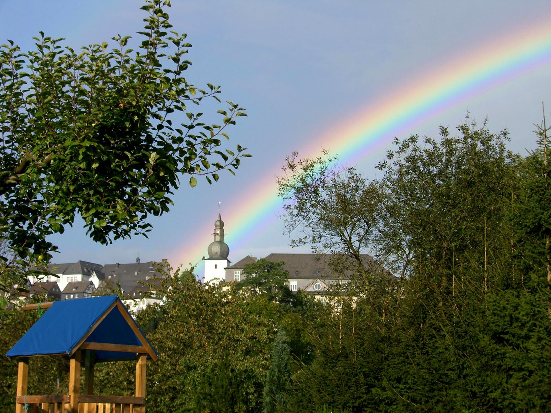 Altstadt mit Regenbogen
