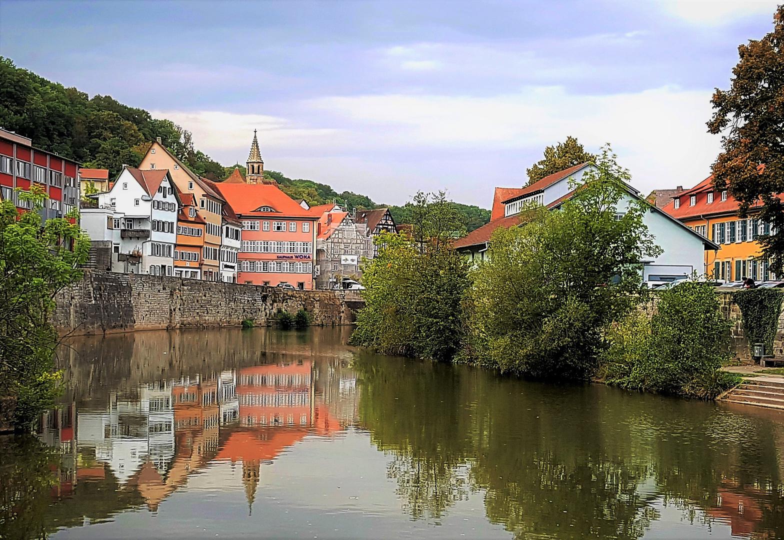 Altstadtansicht von Schwäb. Hall am Kocher mit Spiegelung