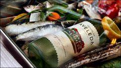 Alvarinho green wine and sardinhas
