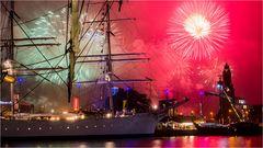 Am Abend mit Feuerwerk..