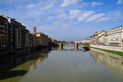 am Arno in Florenz  oder da ist ein Vogel auf dem Bild