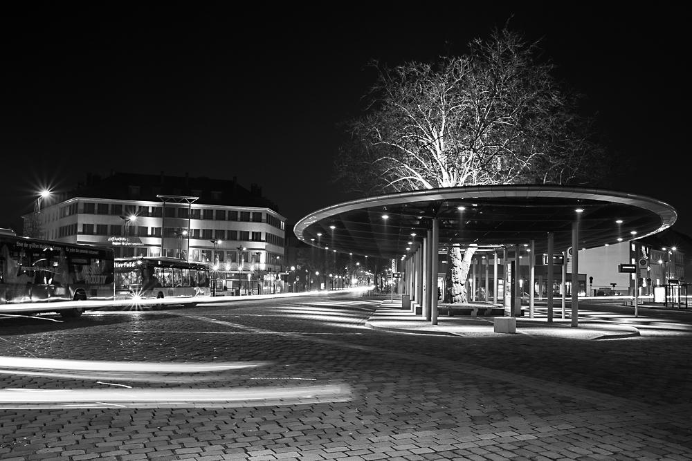 Am Busbahnhof II