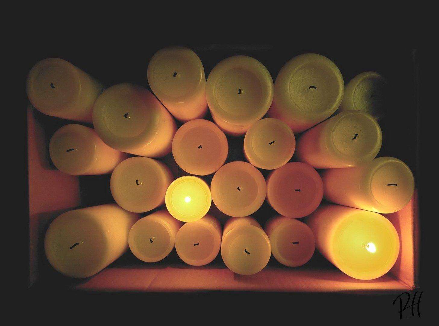 am Ende blieben Kerzen im Karton...