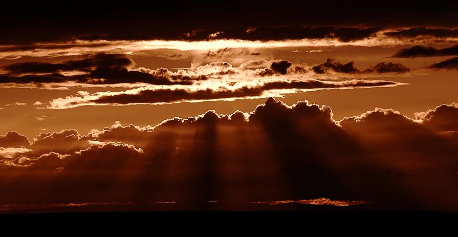 .... am Ende eines wolkenverhangenen Tages ...