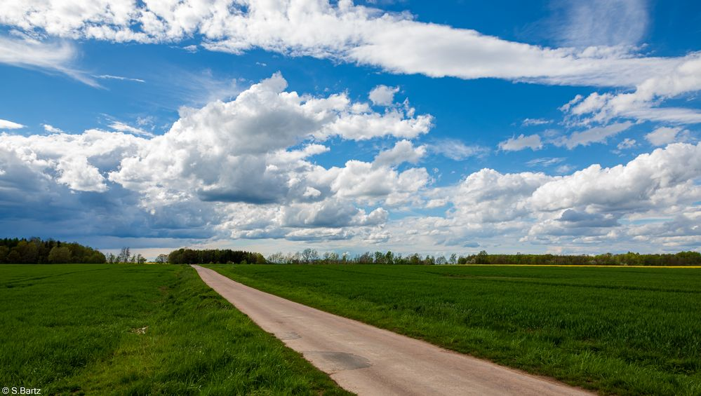 Am Feld – Wolkenspiel (2)