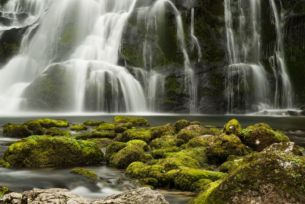 am Fuß des Gollinger Wasserfalls