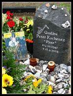 """Am Grab von Peter """"Pjotr"""" Kschentz"""