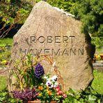 Am Grab von Robert Havemann